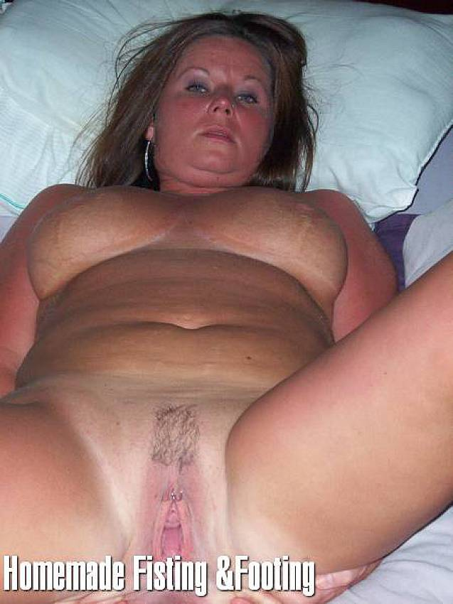 Plumper Whore - Plump whores spread their loose pussies. Fisting content - 4 ...